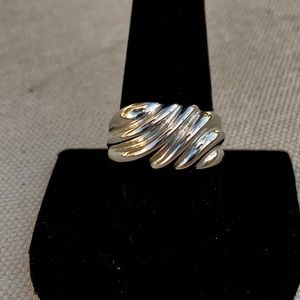 Vintage sterling wave ring